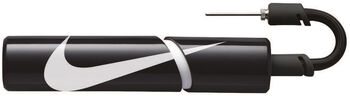 Nike Essentialential Ball Pump černá